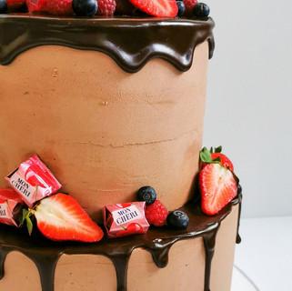 Schokoladentorte Dripping Obst