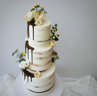 drip dreistöckige Torte