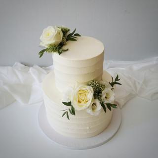 Hochzeitstorte Rillen zweistöckig