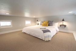 Tiny House 5-6 Loft Bed
