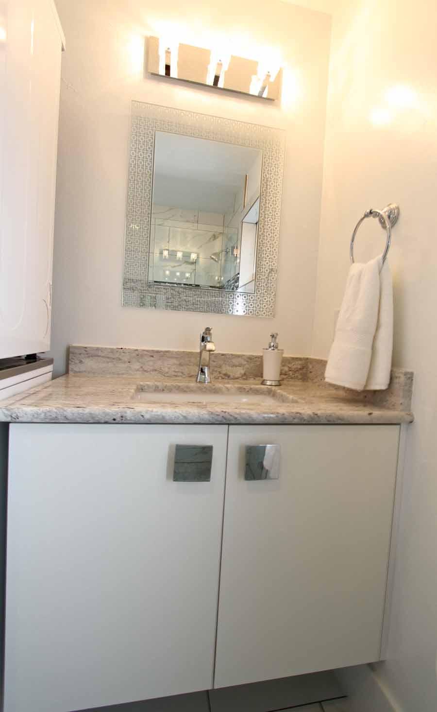 Tiny House 5-6 Bathroom