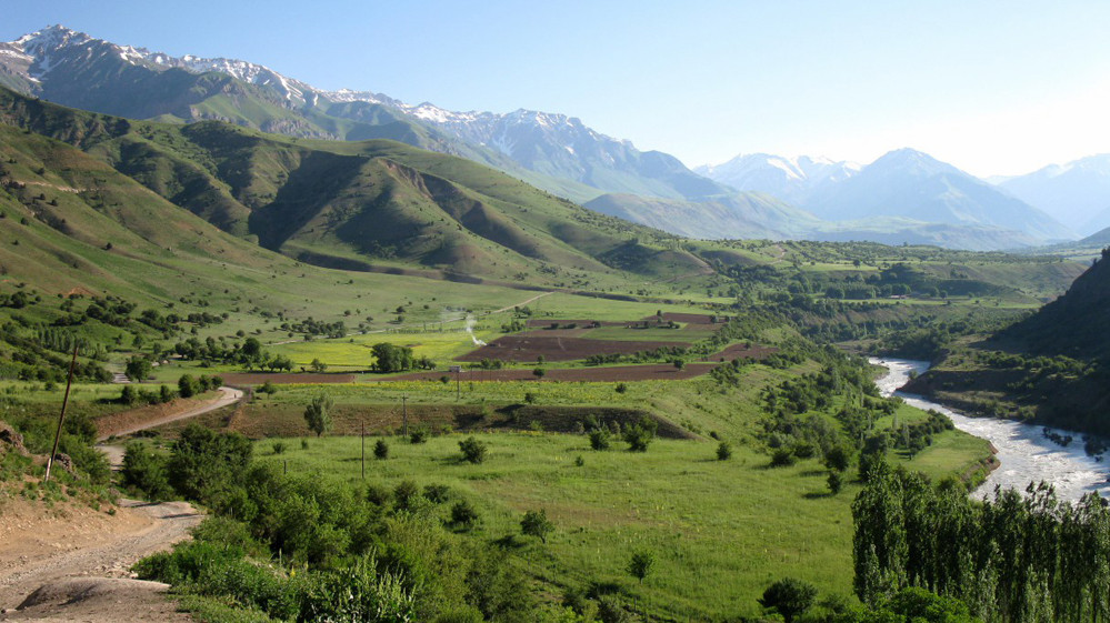 Uzbekistan-mountains.jpg