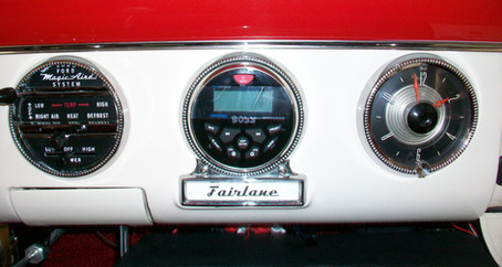 1955 Ford Part 58: Modern Radio in the Original Location!
