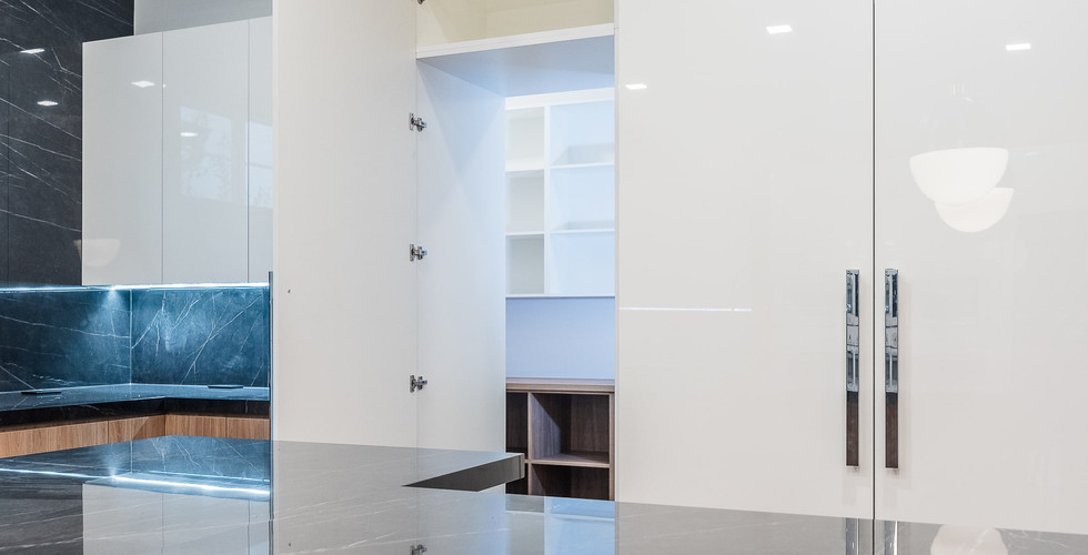 HIGH GLOSS WHITE CABINETS