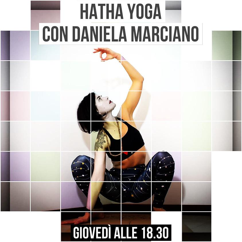Pratica Hatha Yoga con Daniela Marciano (Promo -20%)