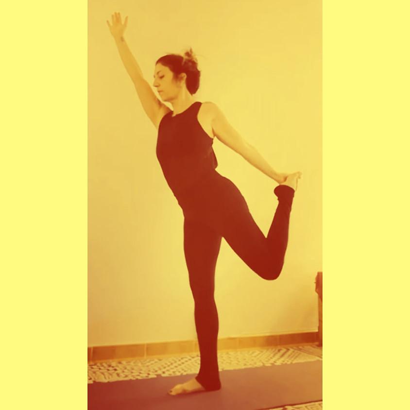 Pratica Power Vinyasa Yoga con Adriana Mi Zona Yoga - Per Tutti i Livelli