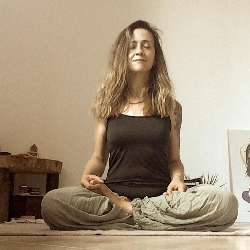 Kriya Hatha Yoga con Chiara Chinmayi | Per ogni livello