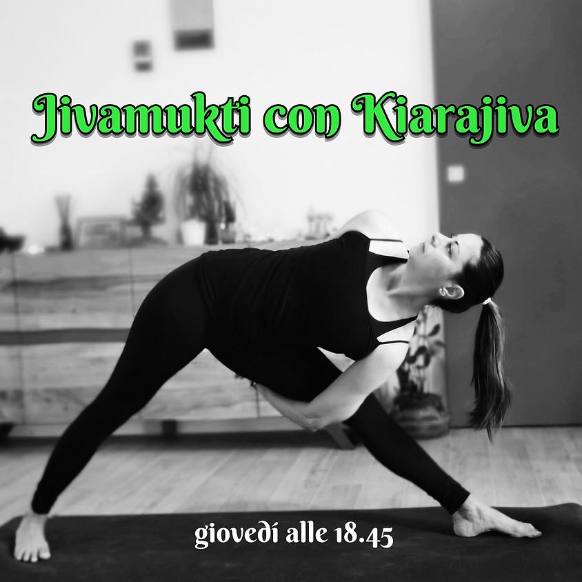 Jivamukti Yoga con Kiarajiva - Per Ogni Livello