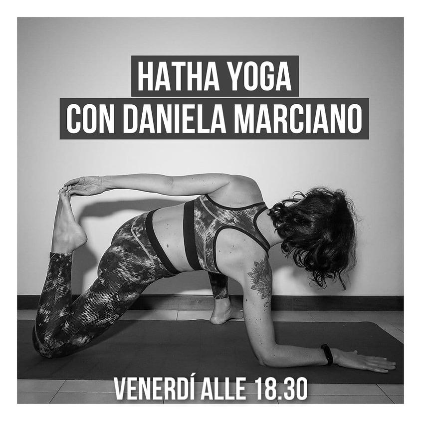 Pratica Hatha Yoga con Daniela Marciano - Per Tutti