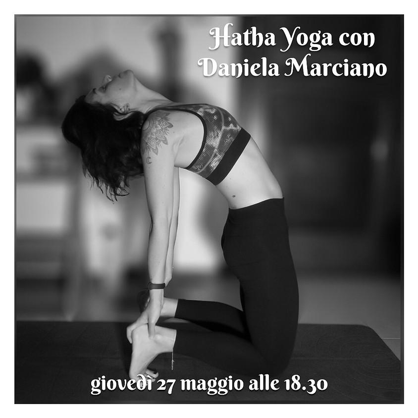 Pratica Hatha Yoga con Daniela Marciano - Per Tutti i Livelli