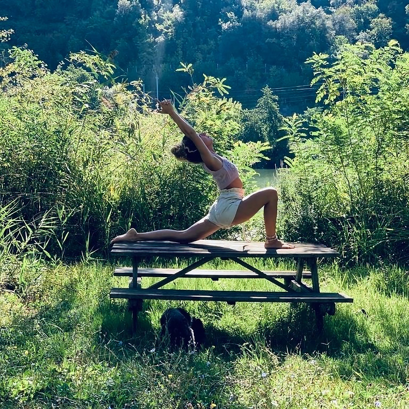 Pratica Jivamukti Yoga con Bennibee   Per Tutti