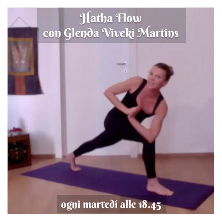 Hatha Flow di Glenda Viveki Martins - Multilivello