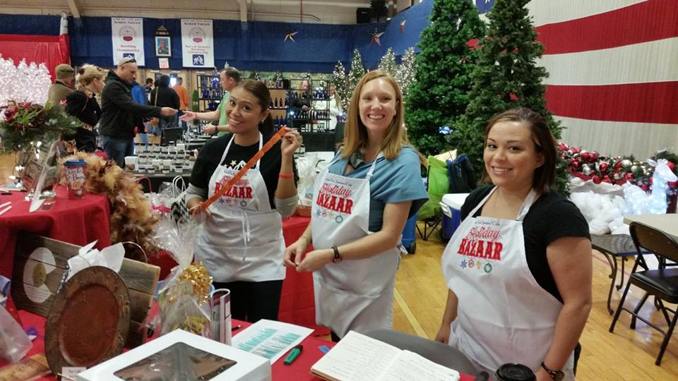 '15 HOLIDAY BAZAAR VOLUNTEERS
