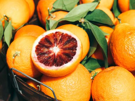 Natürlicher Sonnenschutz: Diese Lebensmittel sollten Sie essen