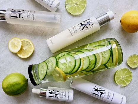 Mehr als eine Erfrischung: Detox Wasser mit Gurke, Zitrone und Limette