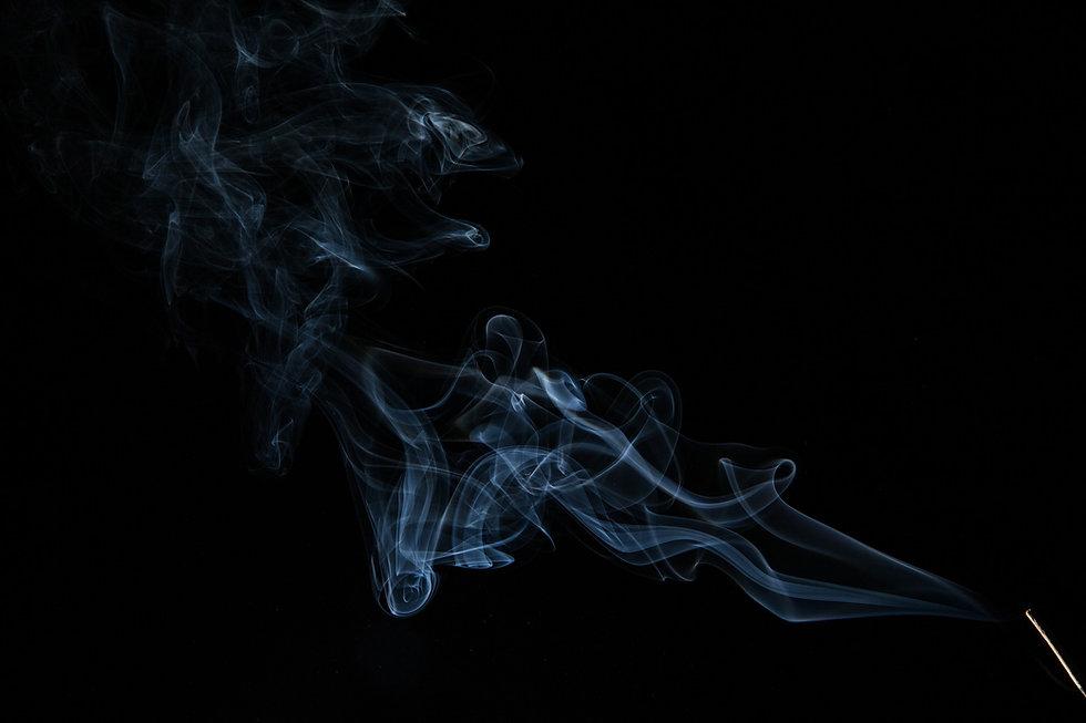 smoke-376543_1920.jpg