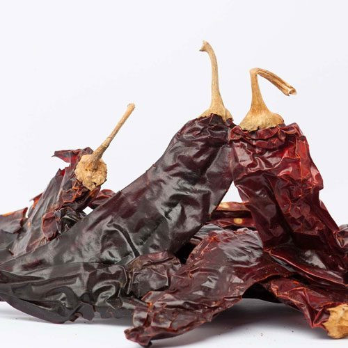 Dried-chilli-guajillo-out-of-bag-500x500