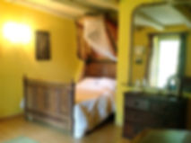 One of the cosy bedroom at Table de Touron.