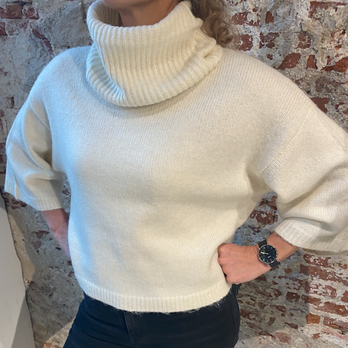 Soaked in Luxury Vivian Rollneck Pullover