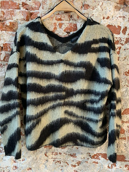 Soaked in Luxury Tigerlily Pullover LS