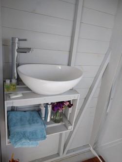 The Shepherds loft frodesley bathroom si
