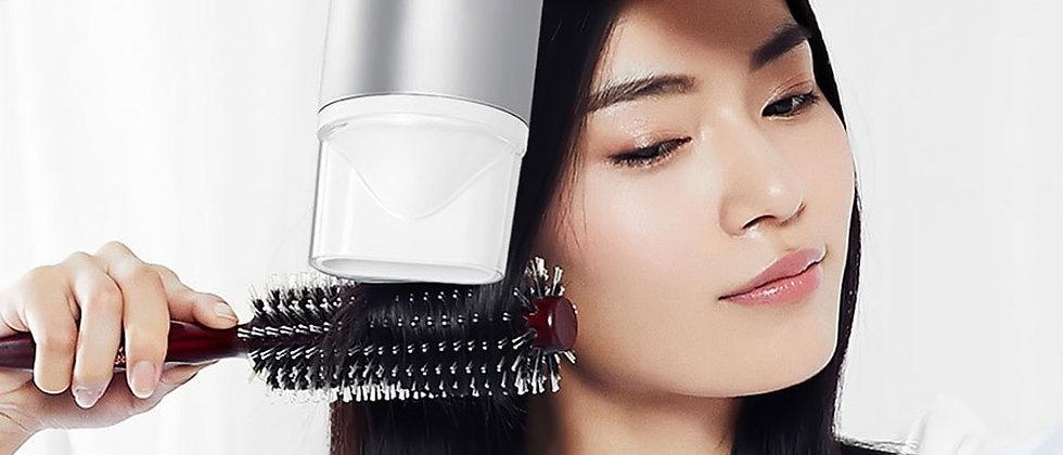 Sèche-cheveux innovant - Technologie ionique qui décoiffe !