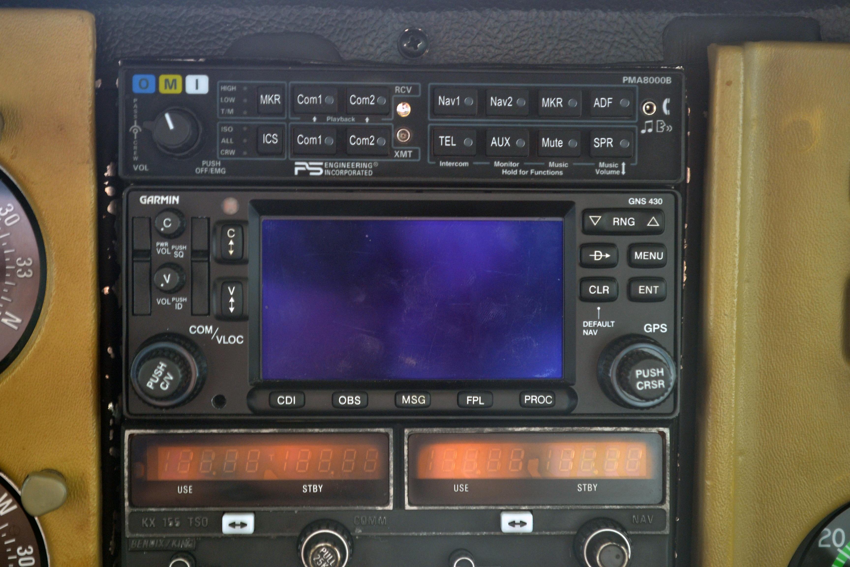 Radios_GNS430