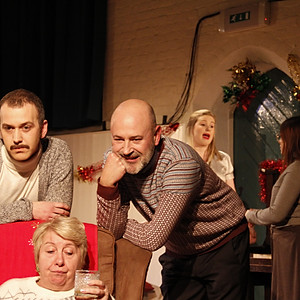 Seasons Greetings - Alan Ayckbourn