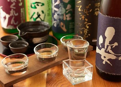 Sake tastingexperience withsake sommelier