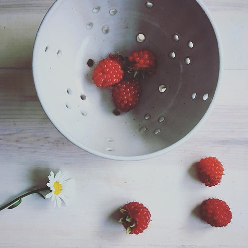 Stoneware Berry Bowl - Medium - Sea Salt