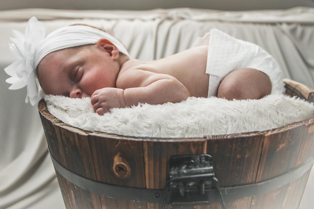 baby, Paula, newborn photography, family photography, baby photography, jakub kloc photogaphy, bucket setup, cute baby, home studio setup