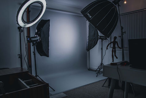 photo studio with 3 strobe lights in Ellesmere port, Cheshire