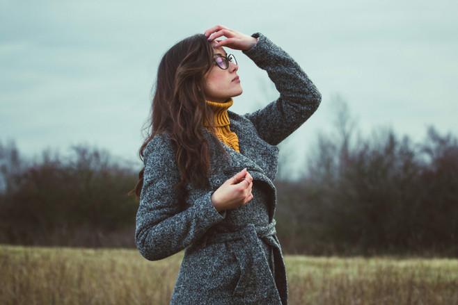 model_ Velichka, Brunette fashion model,