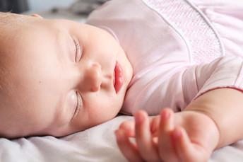 Quatro  maneiras simples de  fazer  seu filho pequeno ir para a cama