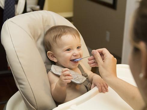 Dicas de alimentação para seu filho (recém-nascido a 1 ano)