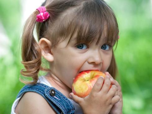 Dieta equilibrada: importância nos primeiros anos de vida.