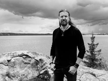 Silver Lake lança videoclipe e single 'Storm' de álbum autointitulado