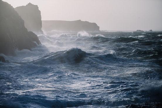 beautiful-scenery-sea-waves-crashing-roc