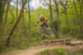Rocks and Road MTB Skills Coaching #coaching #mtb #mtbskills #singletrack #jumps&drops #surreyhills #outside #outdoors #adventure