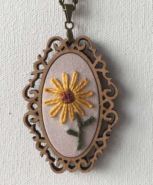 Colar 10 Begonia Embroidery