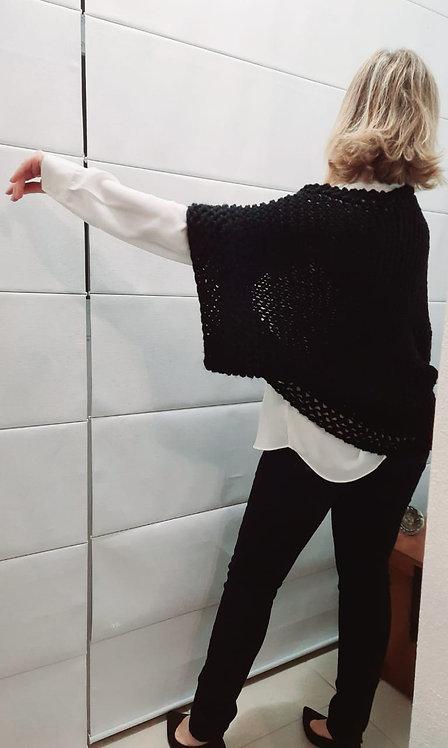 Casaqueto em lã preta Guga Fios & Arte