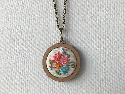 Colar 15 Begonia Embroidery