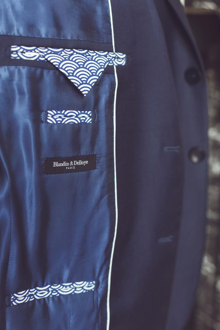 Intérieur de veste bleu et motifs japona