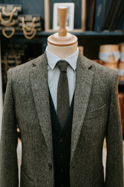 Costume sur-mesure en tweed à Paris