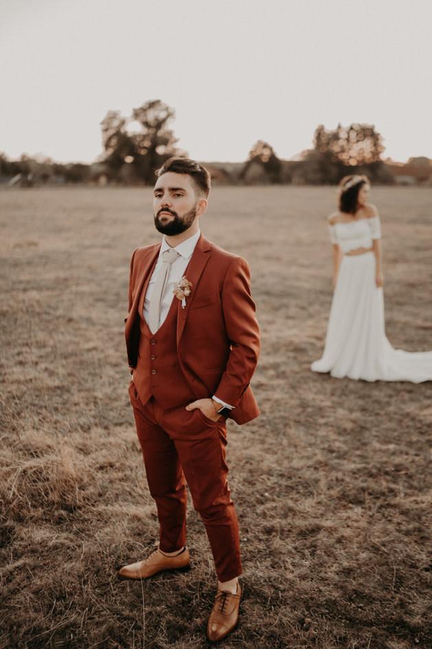 Costume de mariage terracotta style folk