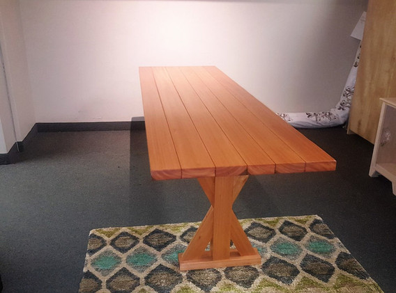 Red Grandis Table