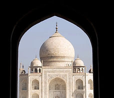 Agra-in-India_Taj-Mahal-view_9586.jpg