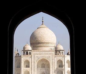Agra-in-India_Taj-Mahal-view_9586.jpg