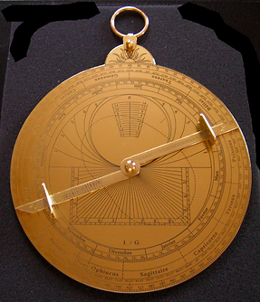 Dos_d'astrolabe_moderne.png