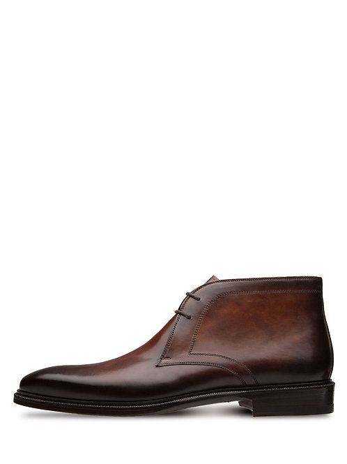 Magnanni Lace-Up Leather Chukka Brown